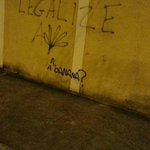 LEGALIZE A BANANA http://t.co/4lQLG1JMfN