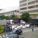 Desde La Yaguara seguimos diciendo NO A LA EXPROPIACIÓN #PlanGarra   Foto vía @Denzil_Ariza http://t.co/nI4Ok46p6W