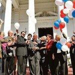 El #DíaDeLaAmistad que se celebra hoy en todo el mundo, tuvo su origen en nuestro país. http://t.co/gOrpjPessI http://t.co/WCsRF7vD0e
