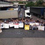 """#SepaQue Todos Somos Polar, Nicolás Maduro  """"Trabajo SI Expropiación No"""" #PlanGarra http://t.co/TAMCQ76oa9"""