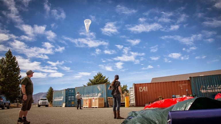 Sri Lanka to be first country to offer universal internet access with Google's Project Loon http://t.co/wfiAiwKbPW http://t.co/qy3o4kjLRH