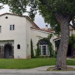 Breaking bad: duas casas da série são colocadas à venda nos EUA http://t.co/usnLiA1fxi #G1 http://t.co/Iqc5LDlvvv