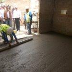 """Hoy iniciamos el programa """"Piso Firme"""" en viviendas del municipio de Tlaquepaque, construyendo pisos de concreto. http://t.co/1FAG7d8RIR"""