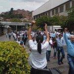 protestan contra expropiacion empleados de la polar #Maracay Cambia tu futuro votando este 6D @ismaelprogreso http://t.co/iS36LiN0j6