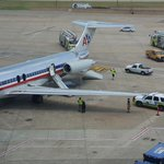 #BREAKING Emergency Slides Used to Evacuate AA Plane at DFW http://t.co/kmkpx9HVkS (Photo: @BTSullivan91) http://t.co/tF5ZGDbBy4