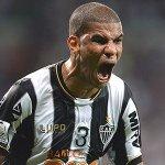 Sinônimo de raça, Clube @Atlético Mineiro ! #Galo http://t.co/7qJxs3rUp1