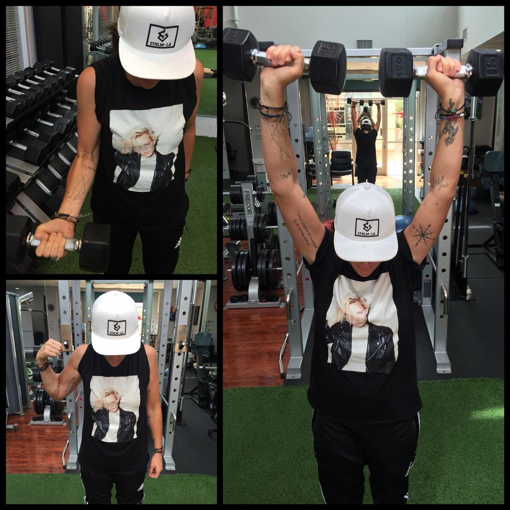 This is how I work out with my babe @ErikaLinder when she's out of town. Gear courtesy of http://t.co/ZbsCE1HIcE