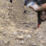 Al menos 30 muertos y 18 desaparecidos tras deslizamiento de tierra en Nepal http://t.co/uooqhUgjqO http://t.co/0yUQ8ZanGm