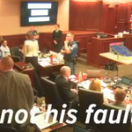 FULL VIDEO: Woman yells that shes #theatershooting suspects mom, is throw out from court http://t.co/VeGayi3xy4 http://t.co/e0PgxUYwxn