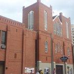 Heightened security around Ebenezer Baptist Church tonight. @FOX5Atlanta http://t.co/OKcBnAG8ta