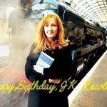 Сегодня исполняется 50 лет писательнице Джоан Роулинг. Спасибо за Гарри Поттера. http://t.co/UCYexYeQK4
