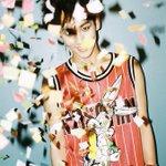 SHINee - 「MARRIED TO THE MUSIC」ティーザー 2 http://t.co/WA1qKtN2l5
