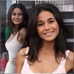 #Entourages @echriqui thinks her WHAT arent big enough? Um ... they look exquisite to ME!!! http://t.co/xmuI1OTHQp http://t.co/jItZ4vxzk3