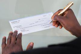 """lmaoooooo RT @8plus9: When Meek said """"Y'all gonna have to give me a check to stop"""" http://t.co/vJXydmiKsi"""