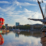 See our gallery of the Balloon ascent spectacularly mirrored in Floating Harbour this morning. http://t.co/Z6lr0OhYdc http://t.co/vboD6zNmjx