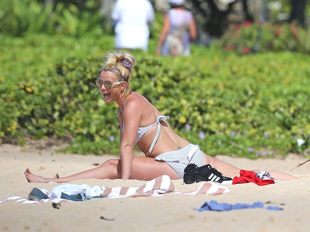 #MTVHottest Britney Spears http://t.co/8ZidAX94ja