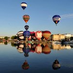 Not a bad view to wake up to! Stunning photos from launch of @bristolballoon http://t.co/kWyd3Fb7zQ http://t.co/WKYz59ixEY