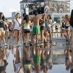 La lluvia torrencial obliga a suspender las actuaciones de la primera jornada del Arenal Sound http://t.co/j4njlMPV8R http://t.co/4EaQcU2KRI