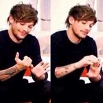 """""""#DragMeDown is now the fastest song to ever climb to no.1 on iTunes music!"""" Us right now: http://t.co/AH8w5HwxfV"""