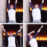 #DragMeDown is now the fastest song to ever climb to no.1 on iTunes music Me: http://t.co/BLVNji2Tny