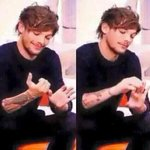 """""""Louis wrote drag me down"""" """"We got it to number 1 on iTunes without promo"""" Louis be like: #DRAGMEDOWNFOLLOWPARTY http://t.co/nU0rFL6X1l"""
