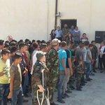 جيش الأسد يقوم بتخريج الدفعة الأولى من الأطفال الشبيحة (أشبال سقيلبيّة) بريف #حماه. #سوريا http://t.co/HRc4kPXgXX