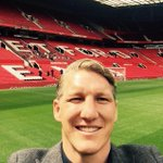 """@BSchweinsteiger: Greetings from Old Trafford! @ManUtd http://t.co/XmdOXFrx5U""  King Basti"