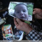 """RT """"@AFP: Palestinian toddler burned to death in settler arson attack http://t.co/LgBBy0PPkG http://t.co/MsKOhw3uTw"""""""