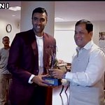 Union Sports Minister Sarbananda Sonowal confers Arjuna award on Indian cricketer Ravichandran Ashwin in Delhi http://t.co/e3wxYnEklI