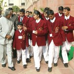 Dr. APJ Abdul #Kalam with students & children http://t.co/zuvi78S4oI