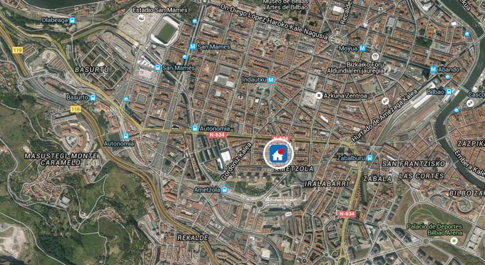 #Bilbao, Labayru kalean, kable elektrikoak sutan, larrialdietako zerbitzuak lekuan. #sute @112_SOSDeiak http://t.co/nhYfQpfBHZ