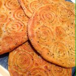 #يوم_من_عجلون اقراص العيد (قسماط) خبز مع حبة البركة شغل أمي الله يحفظها 😘 http://t.co/CSJZRaReBj