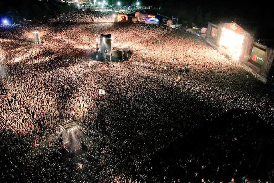 It was truly amazing playing #Woodstock2015 yesterday looking out at 750 thousand faces. http://t.co/fA8lhA7jCe