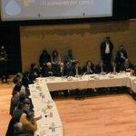 Es muy necesario que seincluyan temas ambientales en la agenda electoral @hugobilbao @danielscioli http://t.co/9omQBiQKrn