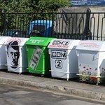 В Дагестане установили мусорные баки «Гитлер», «Порошенко» и «Дом-2» А что, с юмором и креативненько и дух поднимает http://t.co/mnmEop3DEN