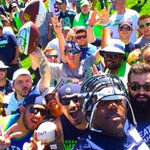 12:12, its selfie time @RussellOkung. ????#SeahawksCamp http://t.co/fvB4KmoRFT