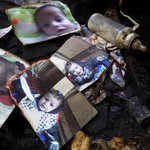 """""""كل دموع الأرض لا تستطيع أن تحمل زورقا صغيرا يتسع لأبوين يبحثان عن طفلهما المفقود... """" - غسان كنفاني #حرقوا_الرضيع http://t.co/fm6LFs7eiR"""