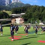 يجري فريق #الهلال الأول لكرة القدم الآن حصته التدريبية المسائية. http://t.co/NxEiWZ7nLt