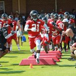 Football is here! Weve got pictures to prove it: http://t.co/gYzbJzzNVt #RiseUp http://t.co/L9EzlMBEWV