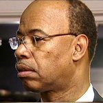 Mel Reynolds due in court 2nd-straight day on housing issue http://t.co/ng1HR8vCxf #chicago http://t.co/ClEHz6TjKy