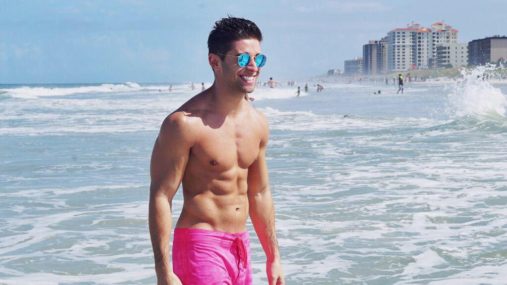 Check out our new interview with @JakeMiller!   http://t.co/7Gpesdagsh http://t.co/PpfzmMFkm5