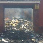 #XelaMás de las imágenes en la z.1, lugar del incendio anoche. Entre13 y 14 av. Y 4ta. Y 5ta. C. http://t.co/v5mi5UzQnk