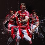 Official: Manchester Uniteds 2015/16 Adidas home kit. #MUFC http://t.co/L4ljhVHBpi