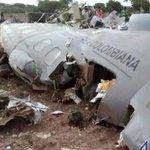 В Колумбии военный самолет разбился из-за попадания молнии http://t.co/WP2a2wYgH9 http://t.co/RyGVg4Z1cN