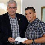 ¡Merecido! Alvis Almendra recibe 10 mil dólares por su medalla en Toronto 2015. @pandeportes #OrgulloOlimpico http://t.co/DKW2IBfZiQ