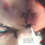 SO SWEET! @ddlovato pays tribute to her puppy #Buddy! http://t.co/wxHai3sK5m