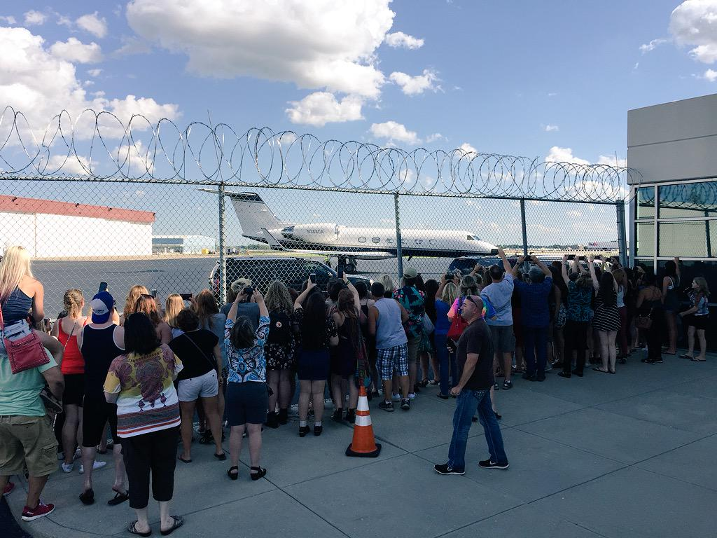 .@onedirection has landed in #Indy. #Directioners, it's time for #OTRAIndy! #OTRAIndianapolis #OTRAlife #OTRA http://t.co/CcmiN3gmV1