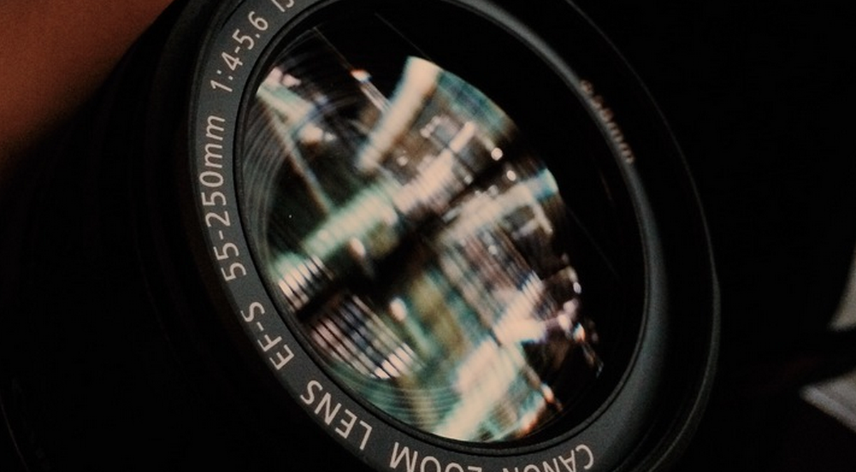 RT @hitRECord  You need a camera & one light source for the #LensProject this week - http://t.co/pRhAbGA5zN http://t.co/pL8uE3jEGv