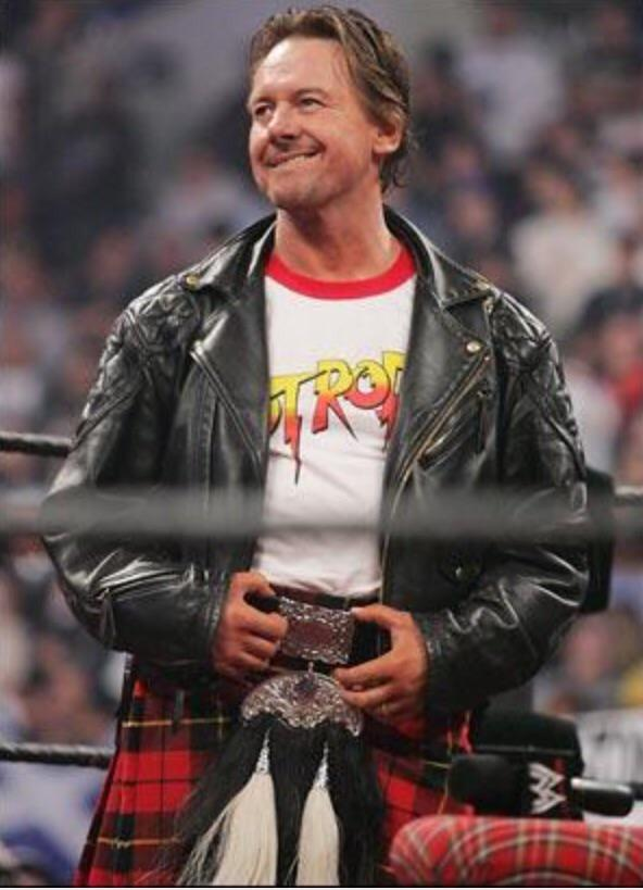 Feel so sad hearing Rowdy Roddy Piper has passed away. Always brought a smile 2 my face when I saw him #ClassAct #RIP http://t.co/EPOtHUQBHy
