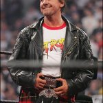 Wrestling legend Rowdy Roddy Piper has died aged 61. RIP. http://t.co/qcg6PcGSuc